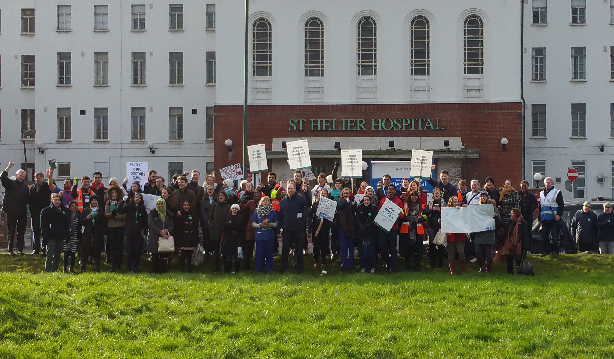 2016 01 12 Junior Doctors Protest - St Helier